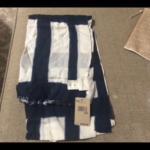 Pure DKNY scarf, rayon/viscose and wool